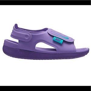 Girls Nike Sandles